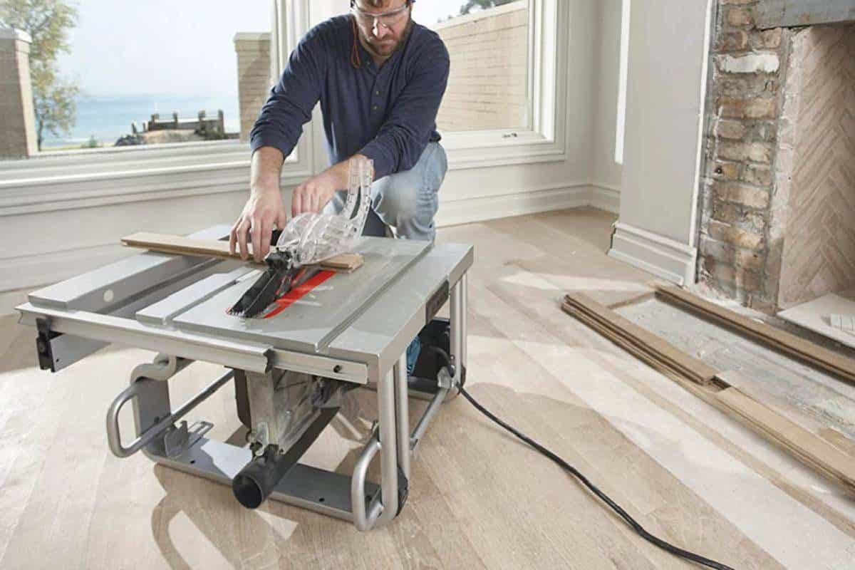 Top 7 Best Cabinet Table Saw For Carpenters and Hobbyists