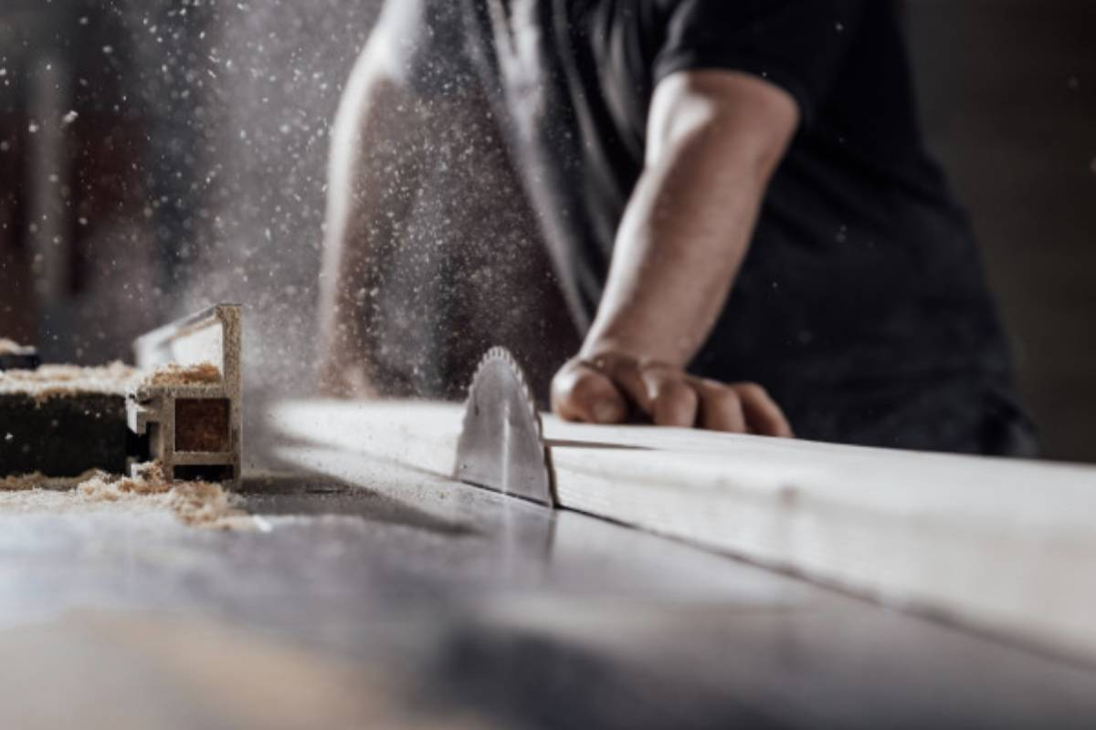 Top 7 Best Table Saw Blades For Deep Wood Cutting